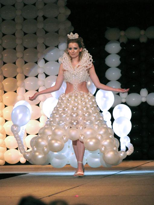 balony suknia